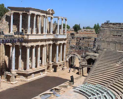Teatro Y Anfiteatro Romano
