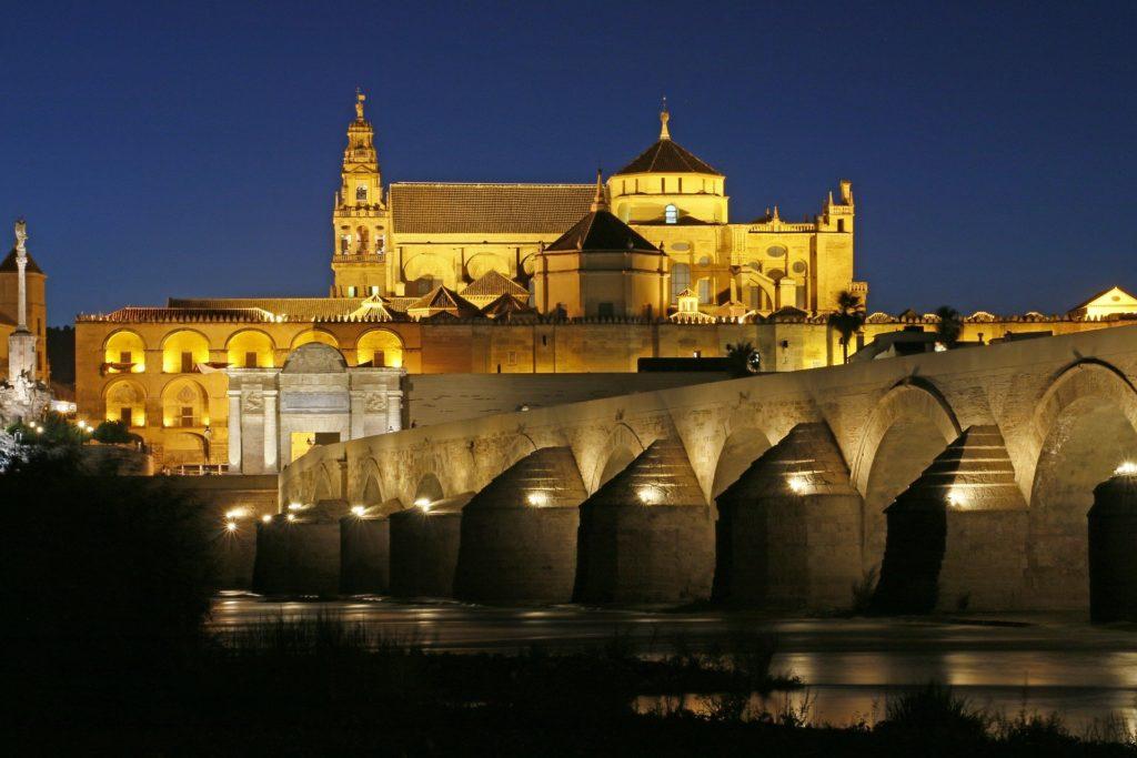 Medina Azahara de noche