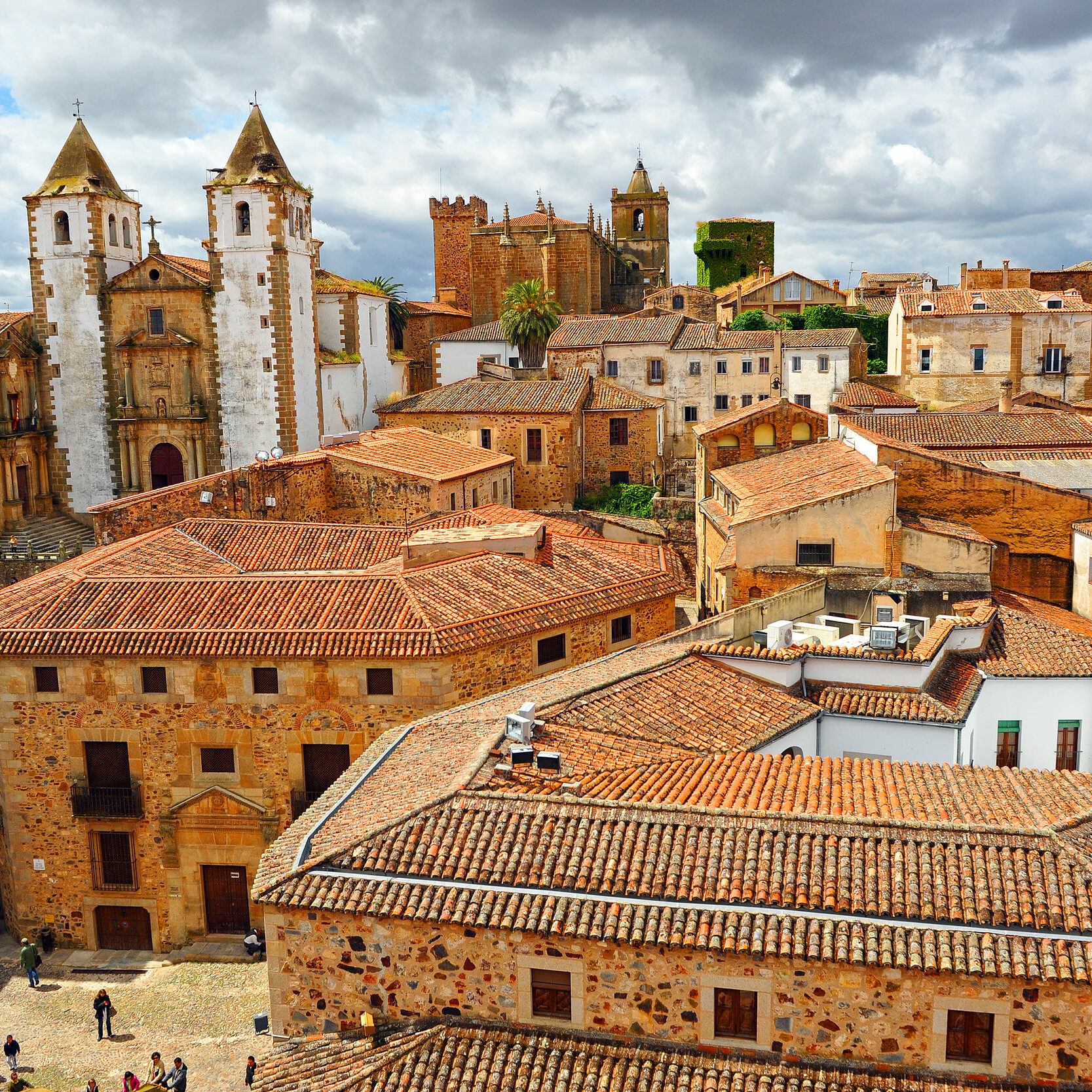 34430090 - panoramic view of caceres, extremadura, spain