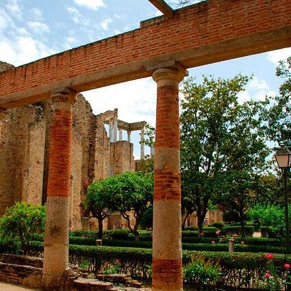 activa-viajes_peristilo-teatro-romano-ok
