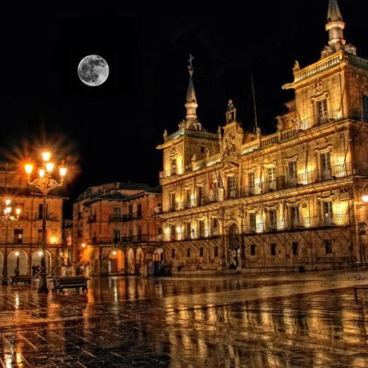 plaza-mayor-leon-noche
